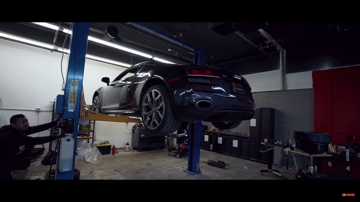 Anecdote - Comment vidanger une Audi R8 V10?