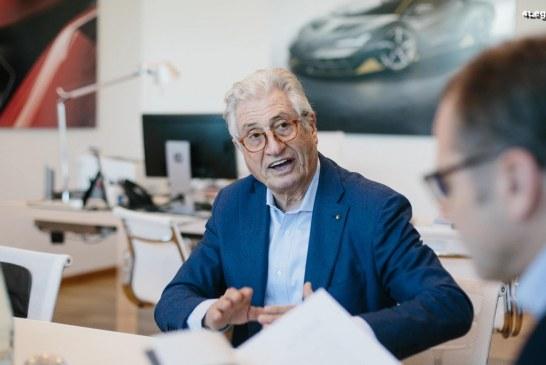 Le maestro du design Giorgetto Giugiaro en visite chez Lamborghini