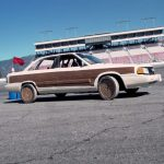 Tests de pneus classiques vs pneus en bois sur une Audi 200 quattro