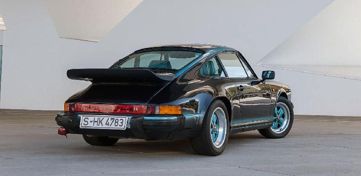 Porsche 911 Carrera 3.2 bicolore de 1984 - Une personnalisation unique