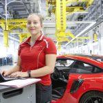 Porsche dépasse la barre des 30 000 employés en 2018 grâce au Taycan
