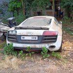 Une Audi R8 V10 abandonnée et dévastée dans une fourrière en Inde