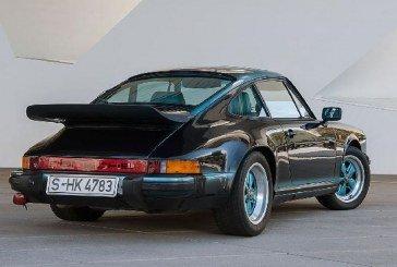 Porsche 911 Carrera 3.2 bicolore de 1984 – Une personnalisation unique