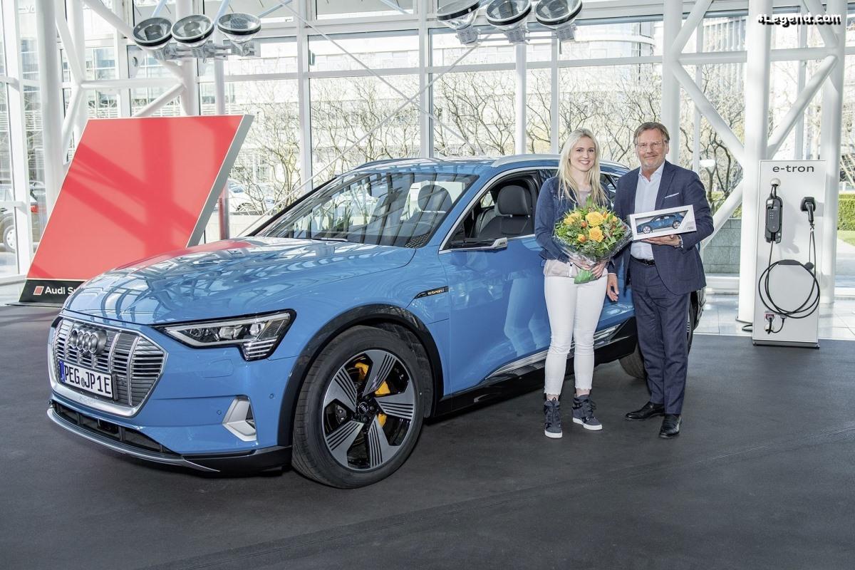 Première livraison d'une Audi e-tron à l'Audi Forum Ingolstadt