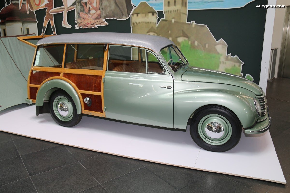 DKW Meisterklasse Universal type F 89 S - Un break Woody produit de 1951 à 1953