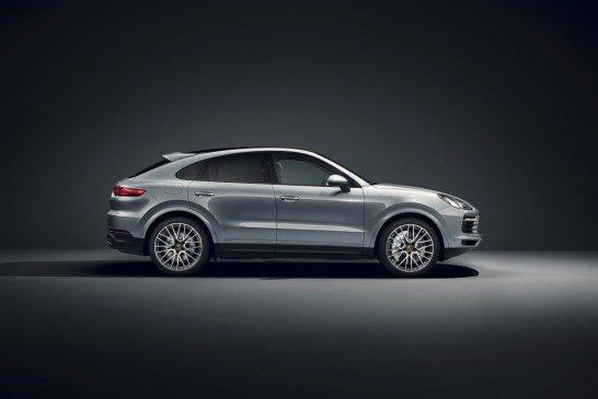 Ouverture des commandes du Porsche Cayenne Coupé de 440 ch