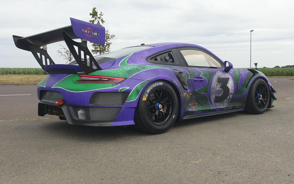 Une Porsche 911 GT2 RS Clubsport Hippie - Hommage à la 917 LH