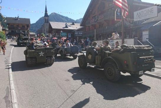 Superbe défilé de rares véhicules militaires de le Seconde Guerre Mondiale à Châtel
