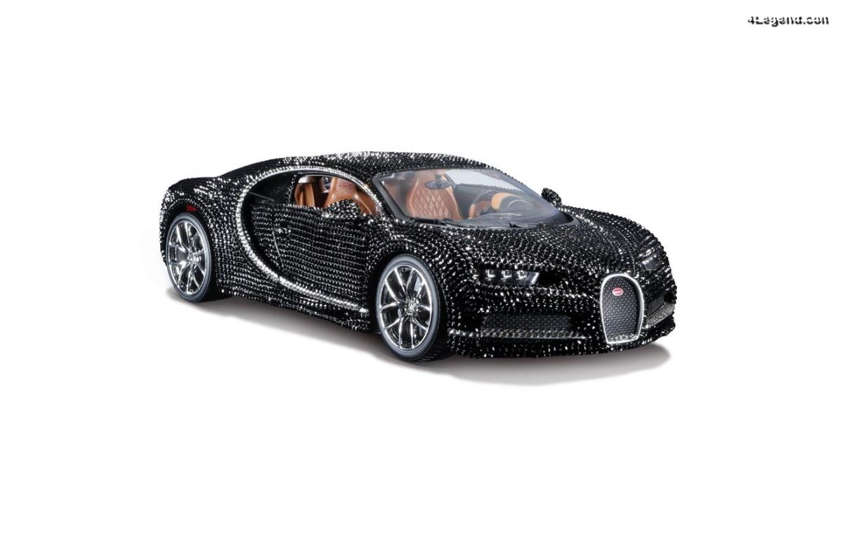 Miniature Bburago au 1:18 - Bugatti Chiron Crystal par Swarovski