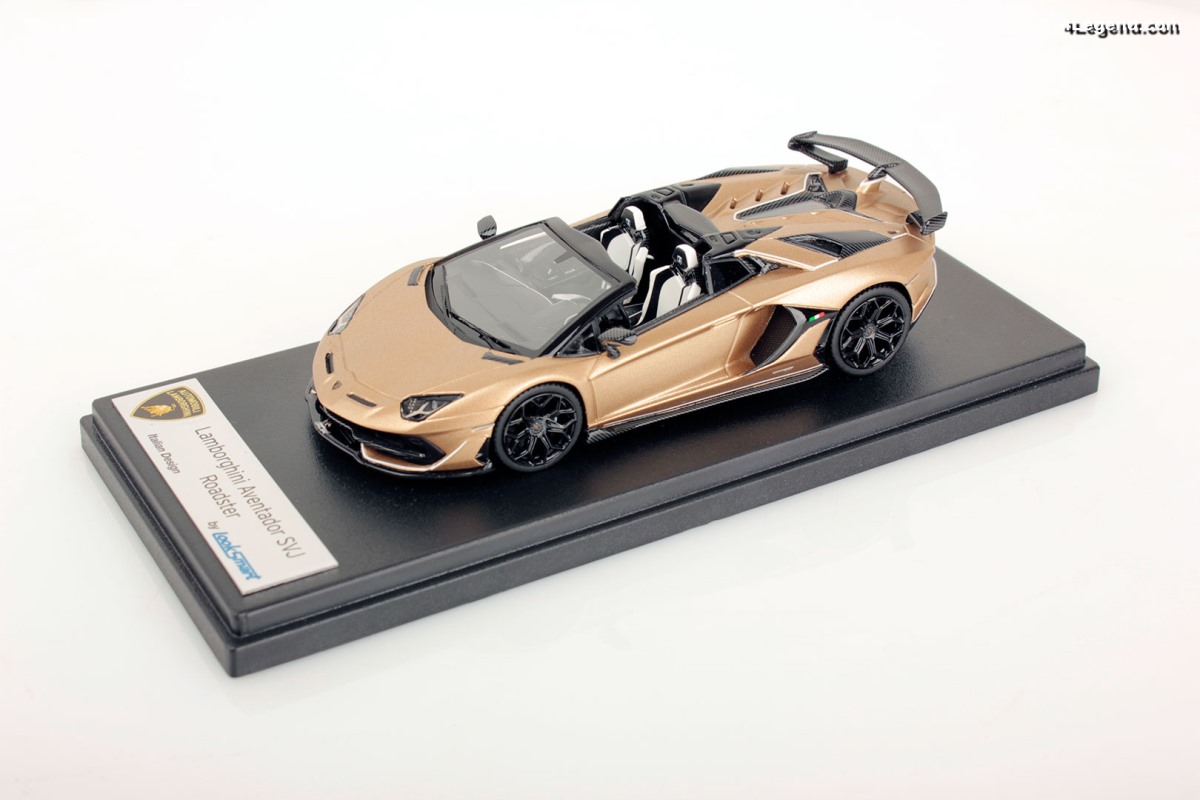 Miniatures Lamborghini Aventador SVJ Roadster au 1:43 - Looksmart