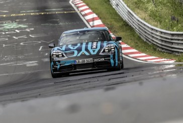 Le nouveau Porsche Taycan établit un record sur la Nordschleife au Nürburgring
