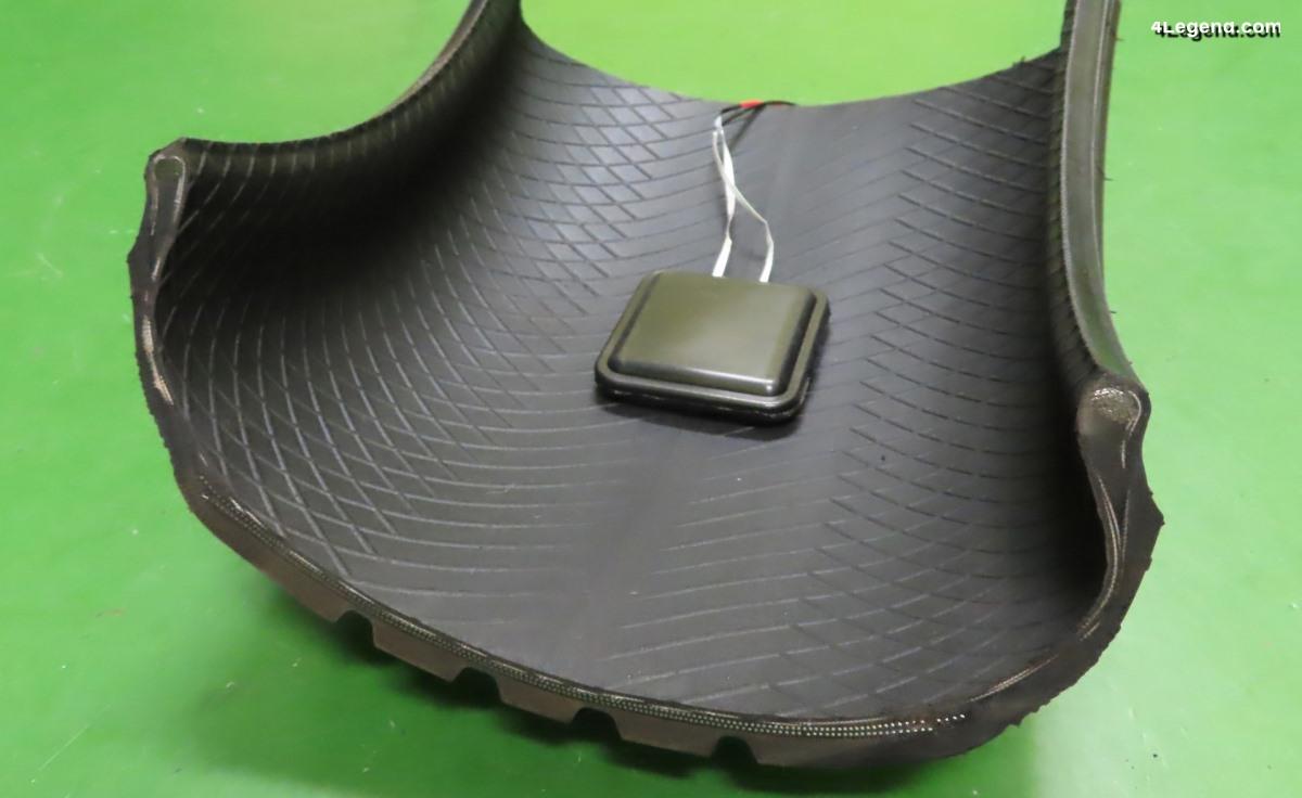 Un pneu produisant de l'énergie électrique développé par Sumitomo et l'Université de Kansai