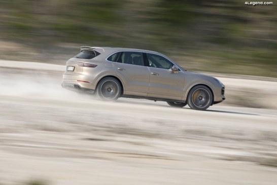 Technologies innovantes du châssis du Porsche Cayenne Turbo S E-Hybrid