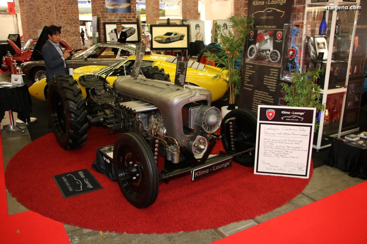 IAA 2019 - Des modèles Lamborghini anciens avec quelques tracteurs