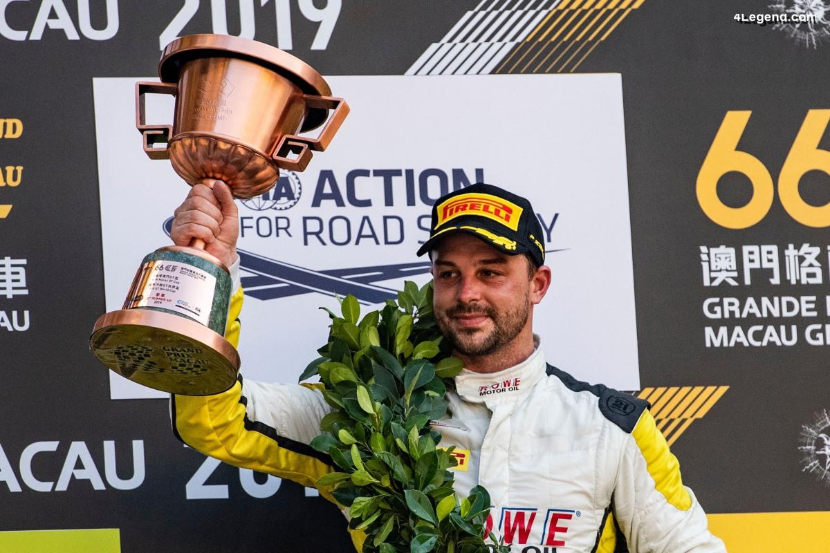 Macao 2019 - Podium pour Laurens Vanthoor et Earl Bamber avec la Porsche 911 GT3 R