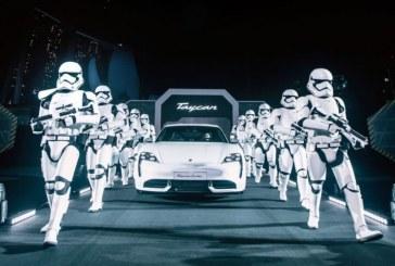 Lancement grandiose du Porsche Taycan à Singapour sur le thème de Star Wars