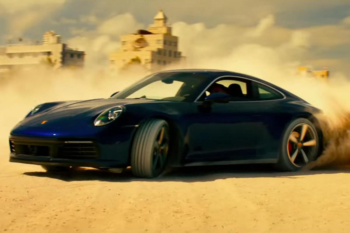 La Porsche 911 Carrera 4S type 992 à l'affiche du film