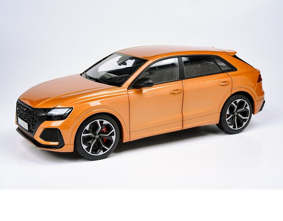 Miniature Audi RS Q8 au 1:18 chez Paragon Models
