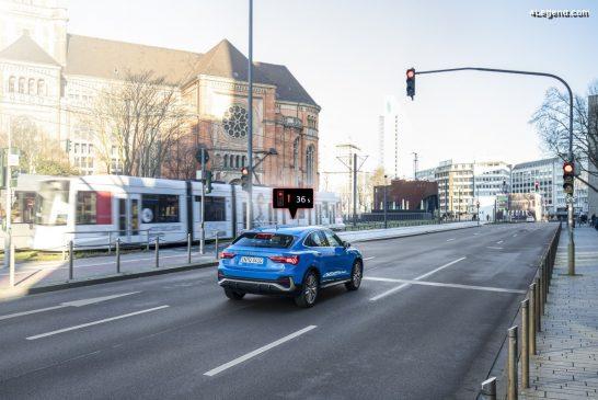 Mise en réseau des modèles Audi avec les feux de circulation à Düsseldorf