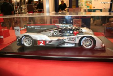 Miniature 1:8 - Audi R18 TDI e-tron quattro par Spark Models