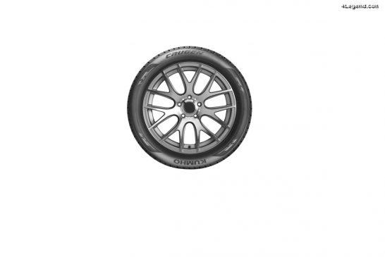 Le pneu Kumho Crugen Premium KL33 en première monte sur l'Audi Q5