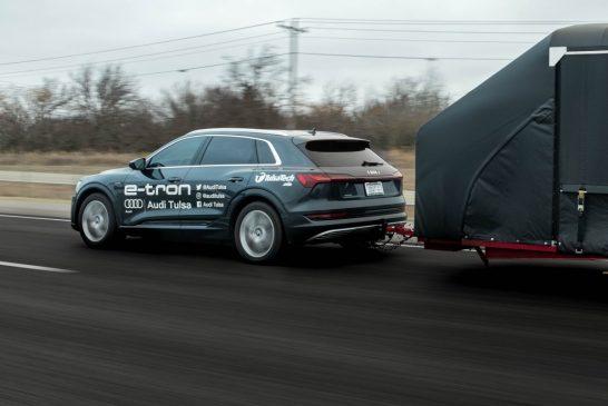 L'Audi e-tron apporte le premier véhicule électrique moderne au