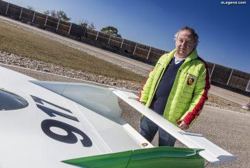 Porsche félicite la légende du sport automobile Kurt Ahrens pour ses 80 ans