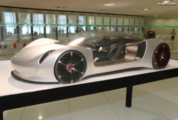 Porsche Thesis - Un concept car au 1:3 purement design