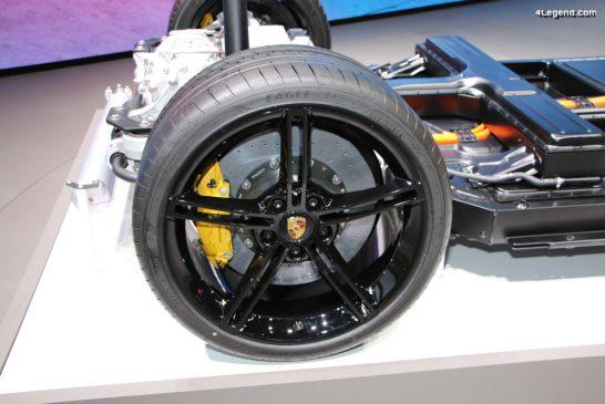 De nouveaux pneus Goodyear homologués pour le Porsche Taycan