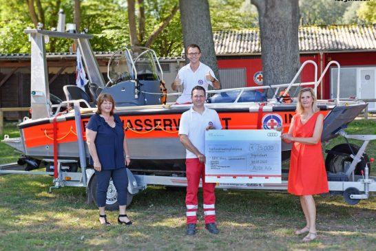 Audi soutient le sauvetage aquatique via un chèque de 25 000 euros